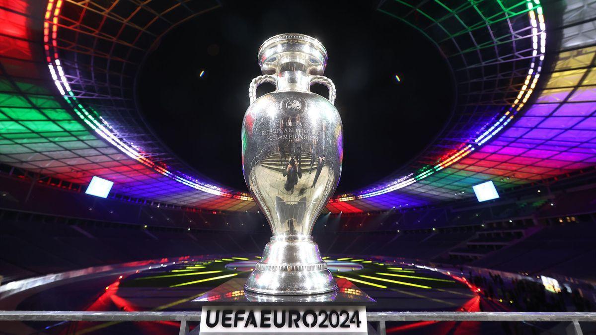 УЕФА отреагировал на нервную реакцию РФ из-за лого Евро - 2024 с украинским Крымом
