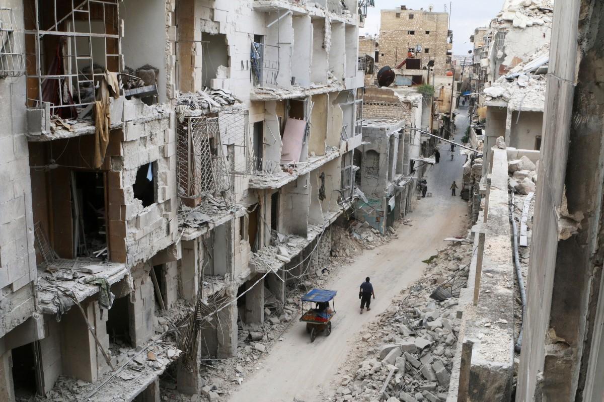 Сирийская армия сбросила на госпиталь Алеппо бочковые бомбы. Более 20 погибших
