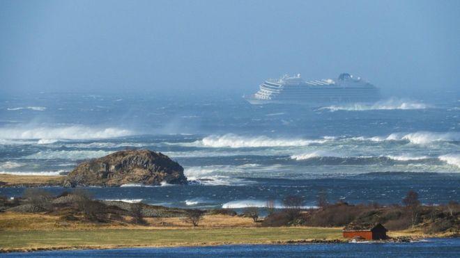 Норвегия, бедствия, авария, судно, корабль, Викинг-Скай, новости, происшествия, спасательная операция