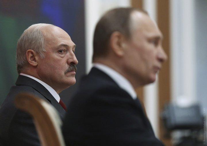 """""""Ему хочется править и ему хочется жить"""", - Портников об отказе Лукашенко создавать военные базы РФ в Беларуси"""