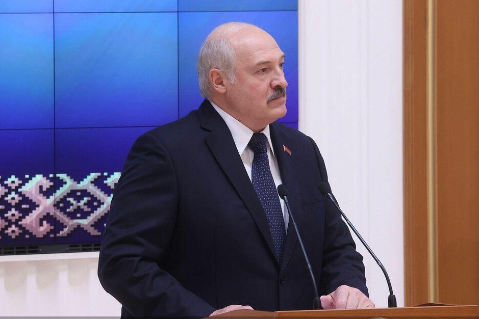 Лукашенко грозит ввести войска России в Беларусь со всем вооружением - названо ключевое условие