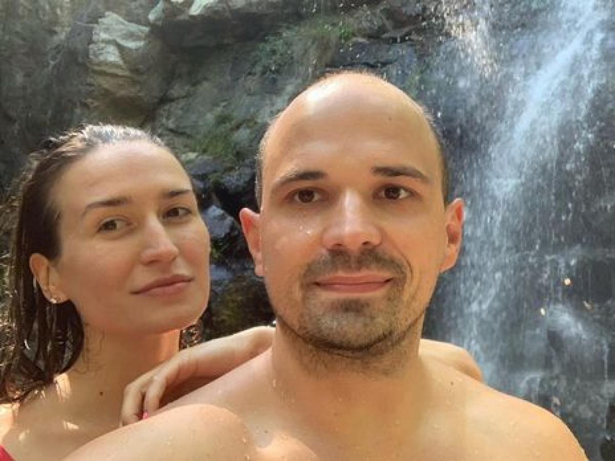 """Валерия Вьюшина о смерти 30-летнего мужа: """"Как за пять дней у здорового мужика могла развиться вот такая пневмония?"""""""