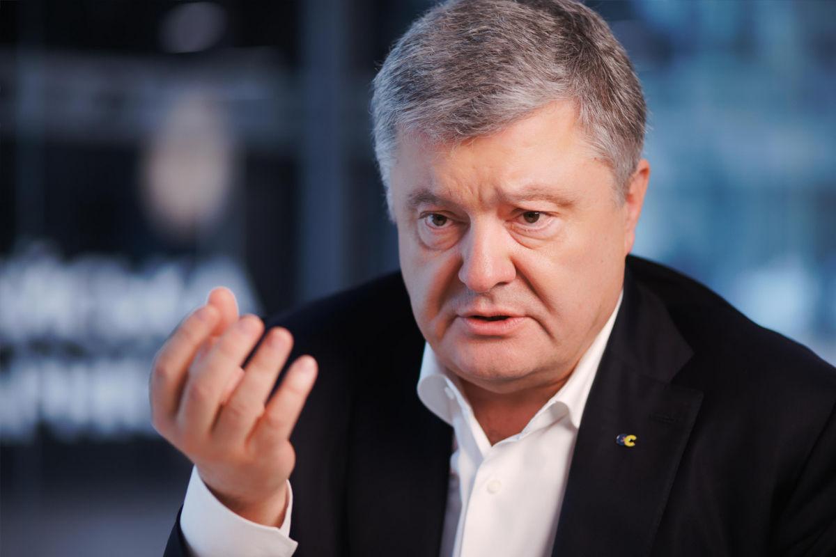 """Порошенко назвал """"заказчика"""" штурма титушками своего дома в Козине: """"Будете отвечать"""""""