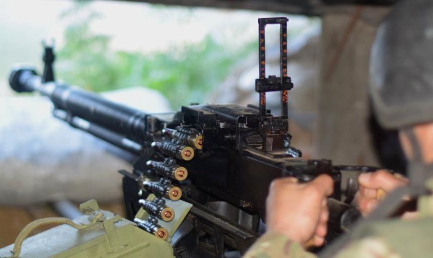 Наемники на Донбассе 13 раз срывали перемирие: боец ВСУ получил ранение