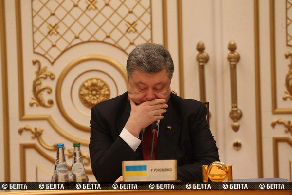 Депутат: Порошенко выходил из зала переговоров на телефонный разговор с Генштабом