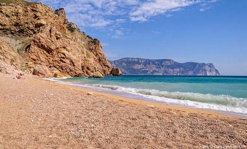 Турист обходит Крым стороной: российские туроператоры констатировали резкое снижение спроса на отдых на аннексированном полуострове