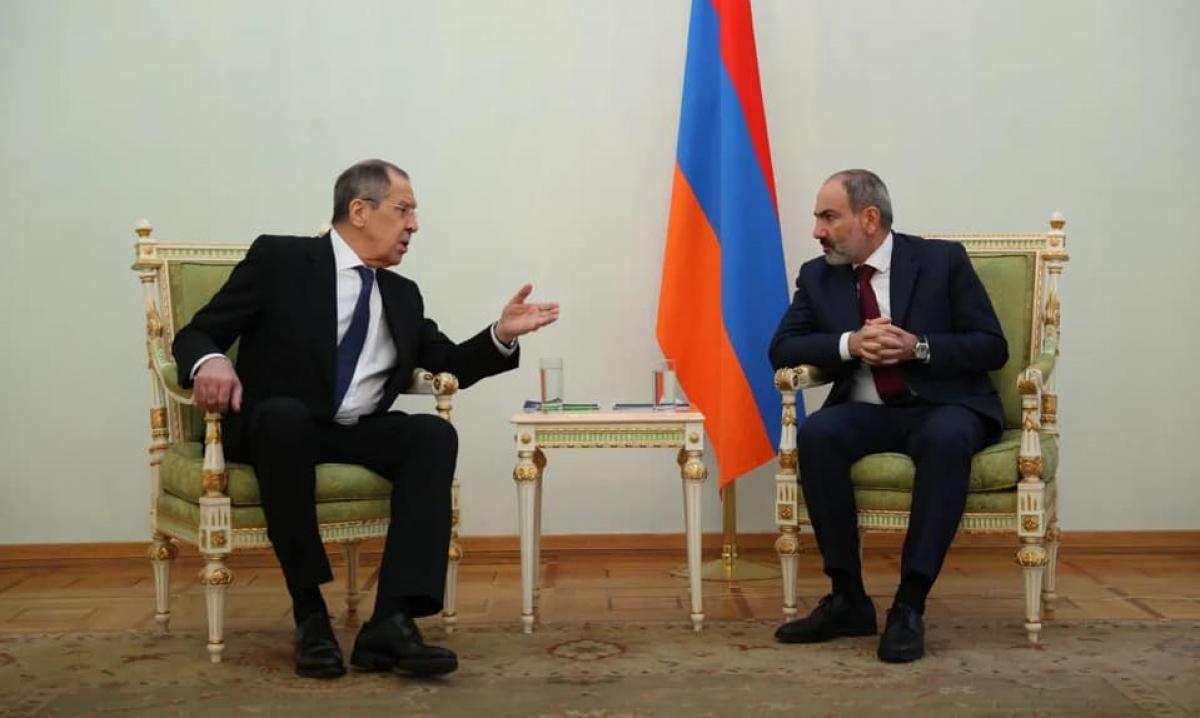 Встреча Лаврова и Пашиняна: пользователи Сети обратили внимание на курьезный факт