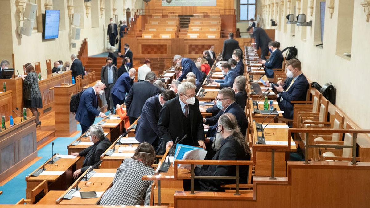 Расторгнуть все отношения: Сенат Чехии поддержал резкую инициативу против России