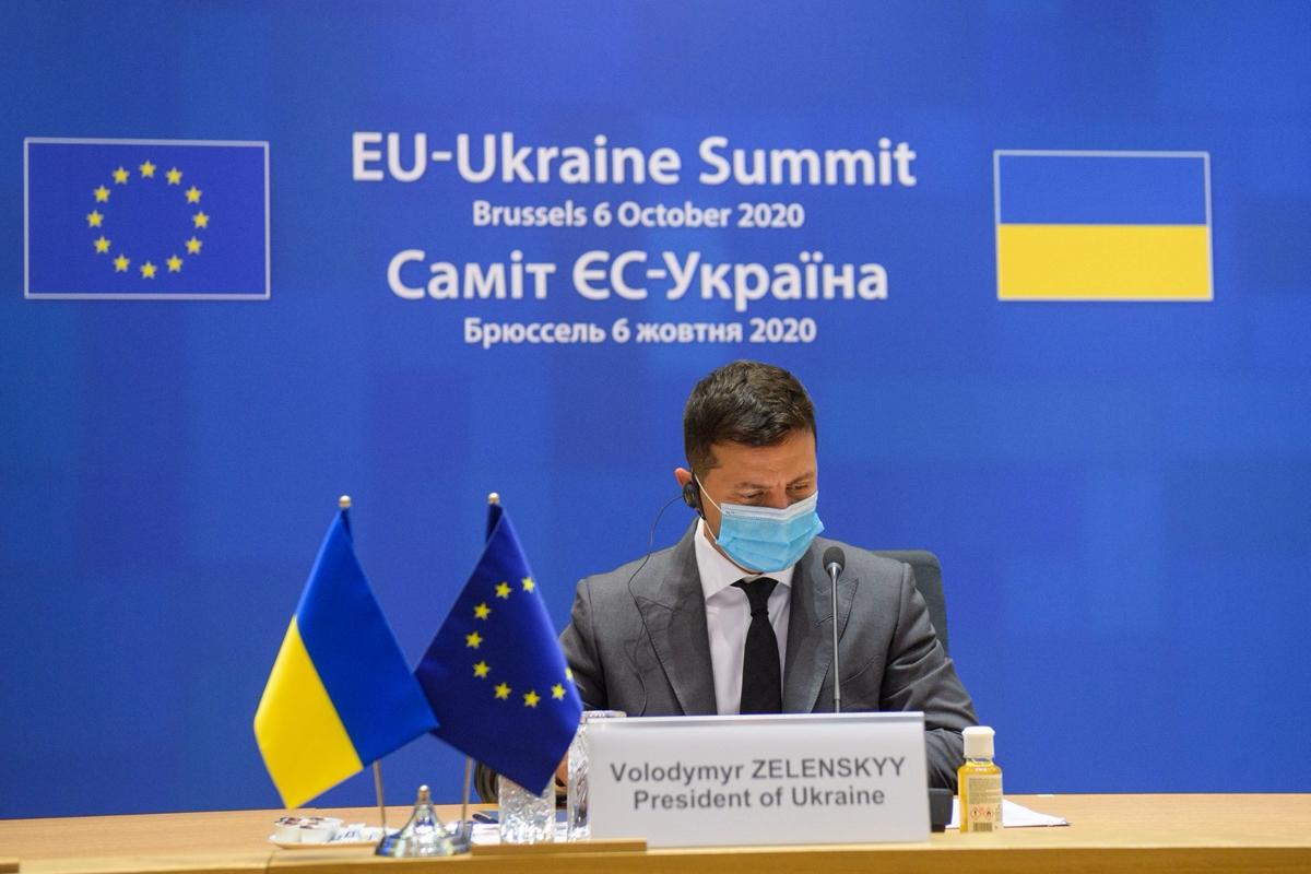 Зеленский впервые отреагировал на договоренность Медведчука и Путина по вакцине от COVID-19