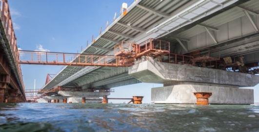 """Новая катастрофа с Керченским мостом, обрушение неминуемо: мост сильно """"поплыл"""" - фото и подробности"""