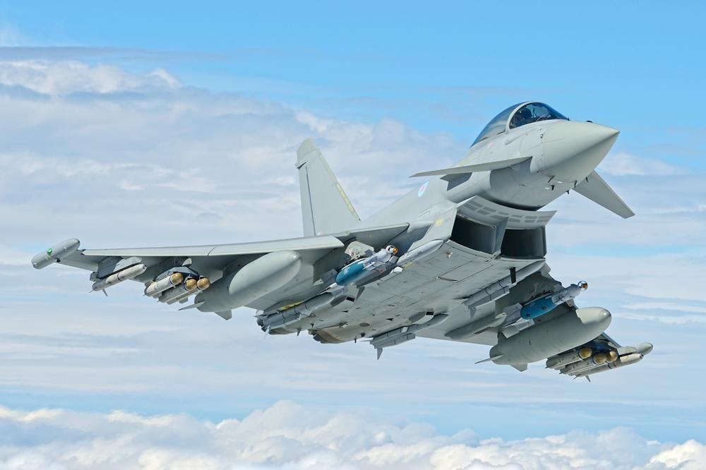 В небе над Николаевом замечен британский истребитель Eurofighter Typhoon FGR4 с передовым вооружением