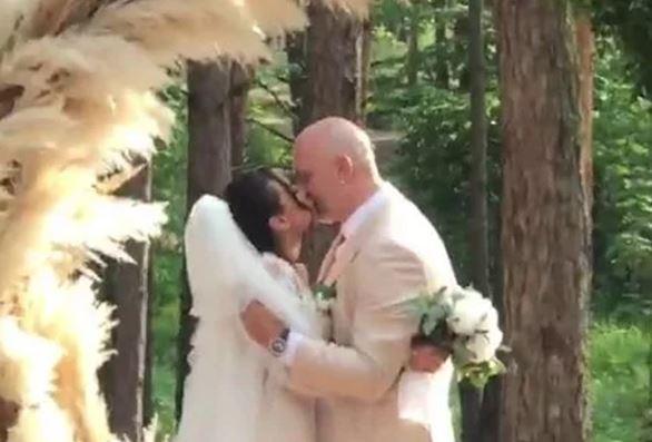 Фантастическая свадьба Насти и Потапа: Сеть потрясли кадры с первым поцелуем звезд