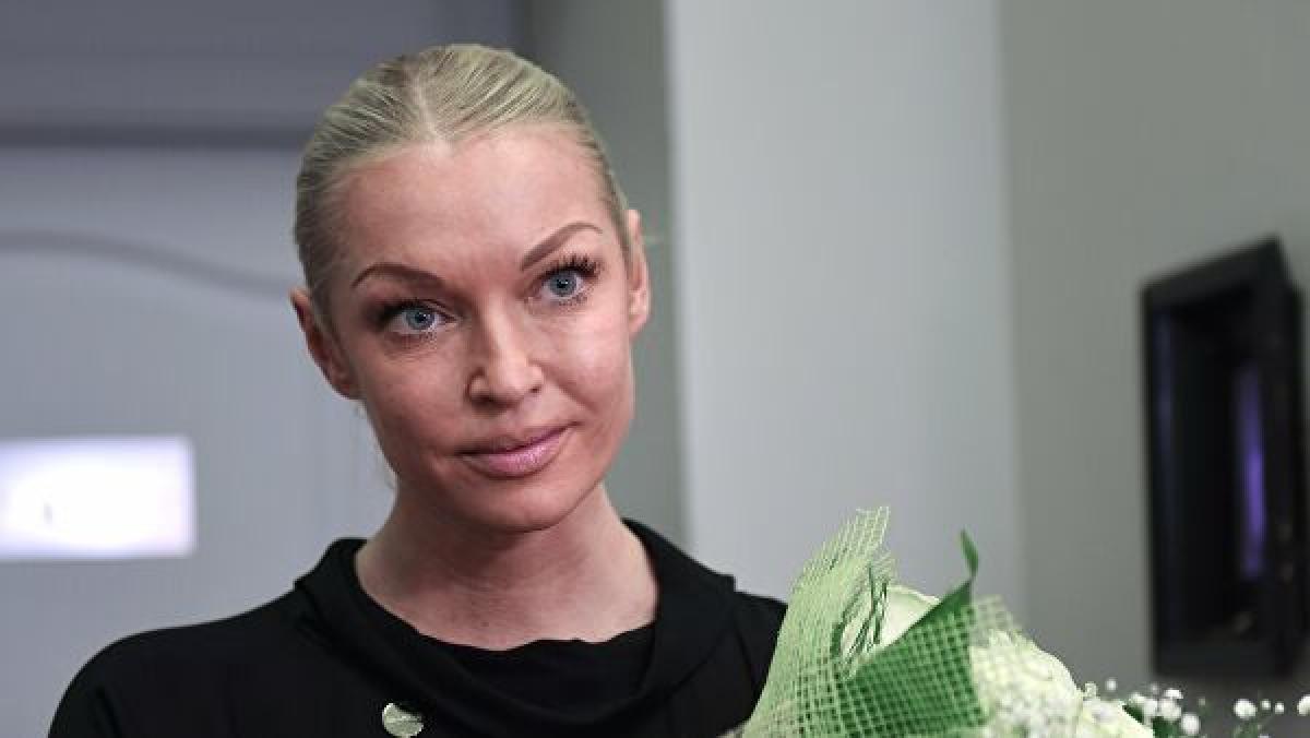 """Волочкова пришла в школу к дочери в непотребном виде: """"Вульгарщина!"""""""