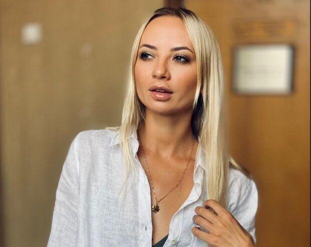 """Звезда """"Женского квартала"""" Сопонару обнажилась перед камерой: черно-белое фото актрисы назвали очень эффектным"""
