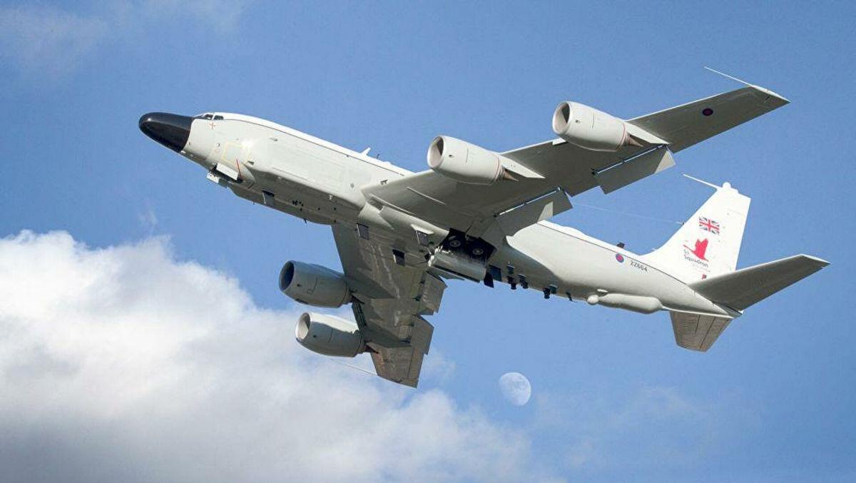 Британский военный RC-135W заметили над Винницей: в Сети показали кадры авиационных маневров