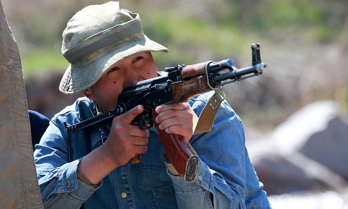 Конфликт Таджикистана и Кыргызстана: к границе стягиваются киргизские ополченцы