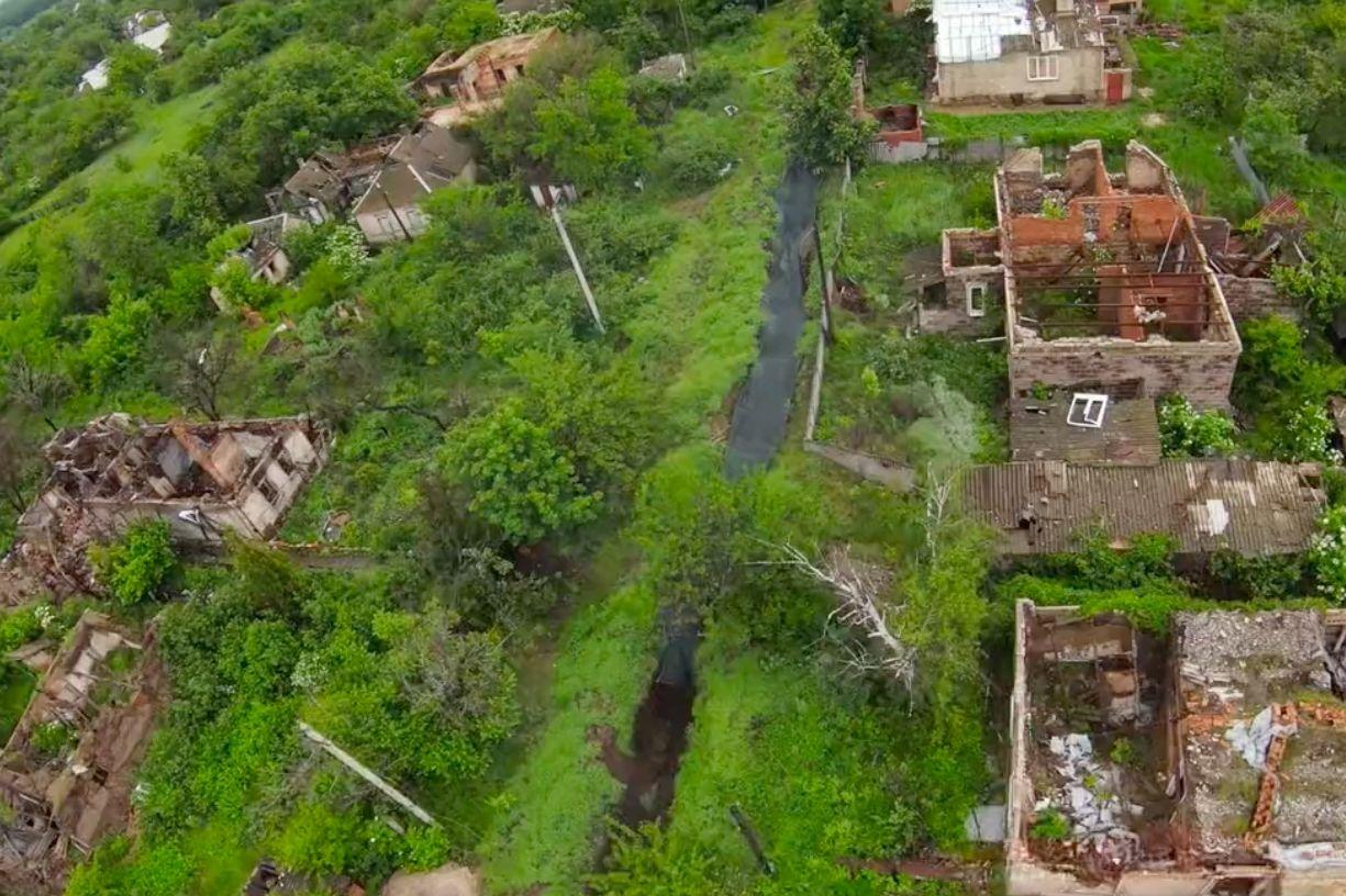Дрон ВСУ засек снайперскую точку ВС РФ под Донецком: ведут огонь из-за спин гражданских
