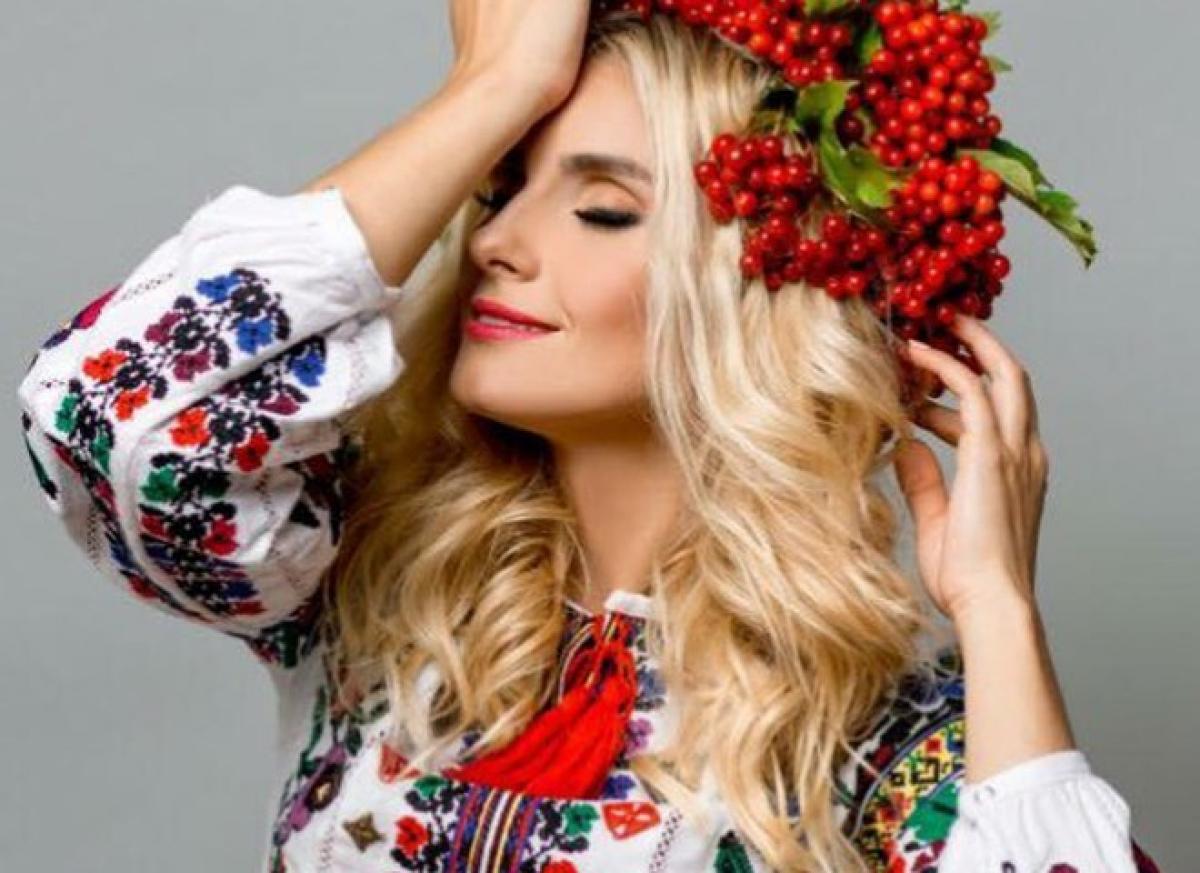 "На певицу-патриотку Ирину Федишин напали на сцене: ""Руками и ногами обхватила"""
