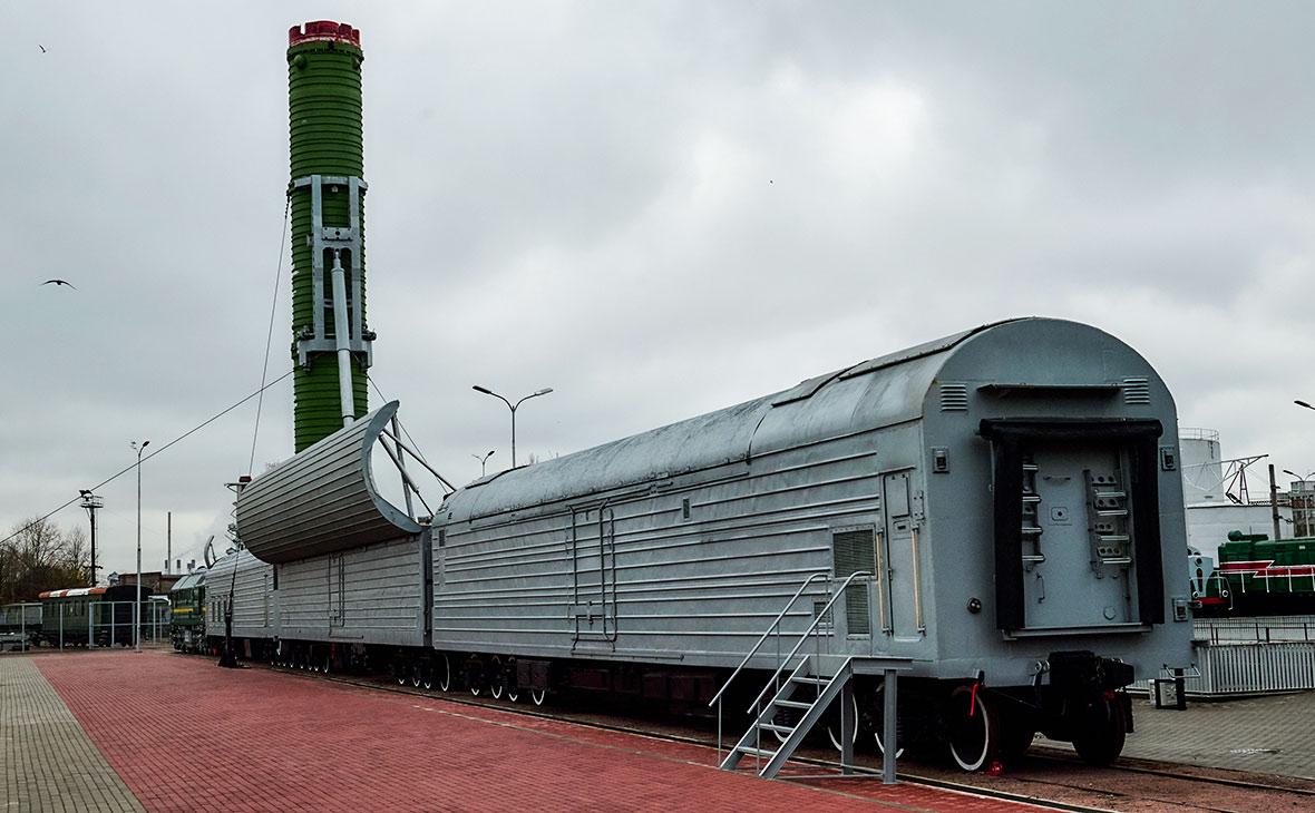 Фото красивого поезда сохранять года