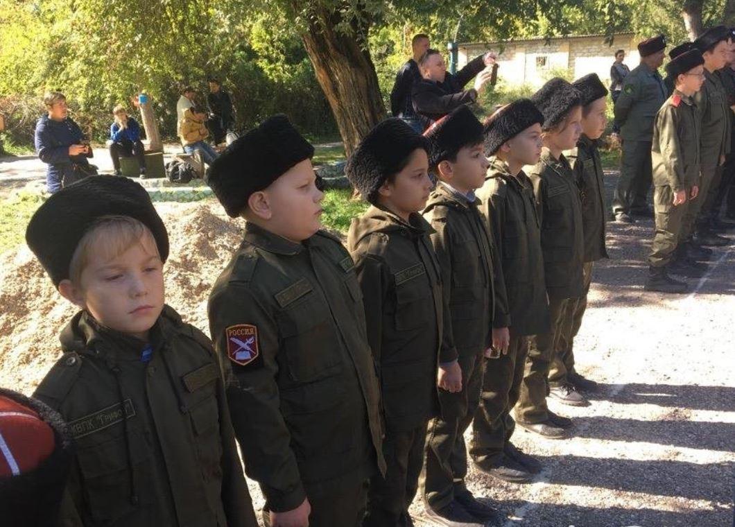 Детей в Крыму используют как инструмент для пропаганды - возмутительные кадры потрясли соцсети