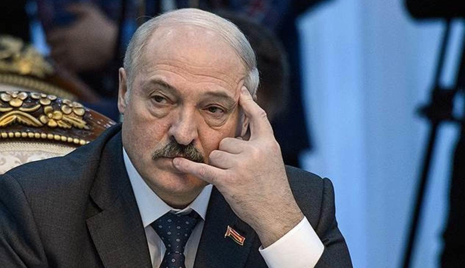 Лукашенко экстренно эвакуировали на частном самолете из Витебска в Минск – в Сети назвали причину