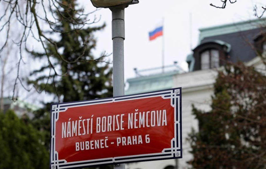 """18 российских дипломатов будут высланы из Чехии – в России пригрозили ответом Праге за """"подобные фокусы"""""""