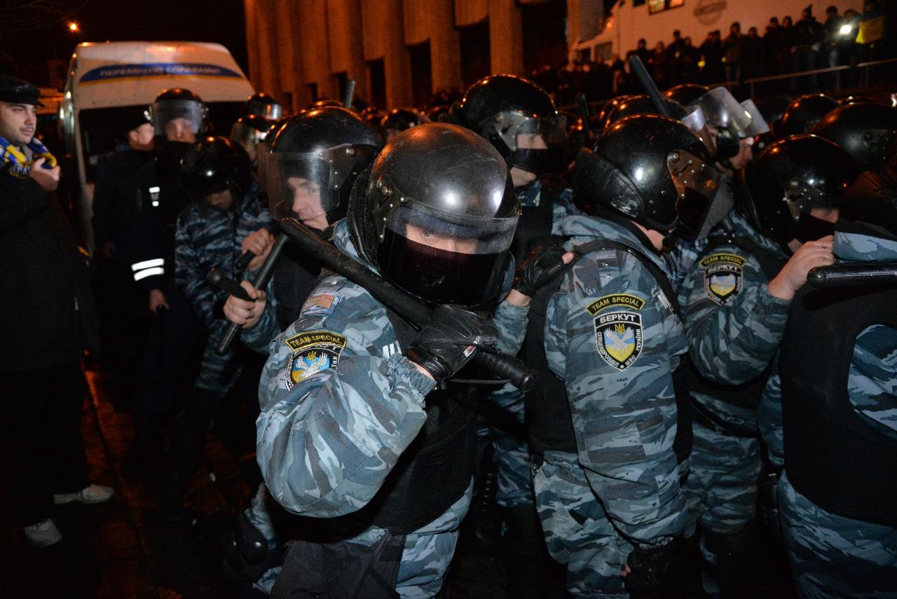 """В Киеве прошло празднование в честь """"Беркута"""", который убивал людей на Майдане"""