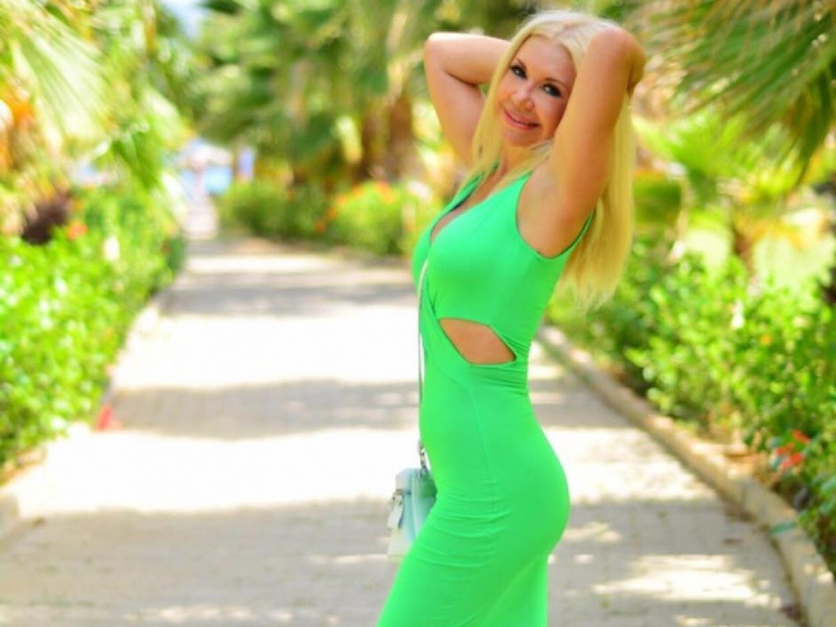 """Мама Дана Балана Людмила сразила публику модельной фигурой: """"В 62 выглядит на 30"""""""