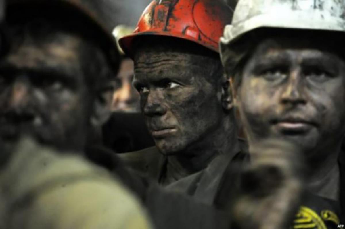 """Шахтеры в """"ЛНР"""" пошли на отчаянный шаг - """"голодные бунты"""" выходят из-под контроля"""