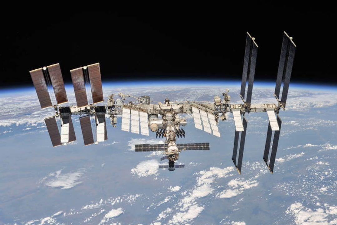 Из российского модуля МКС утекает воздух - Москва на грани досрочного выхода из миссии