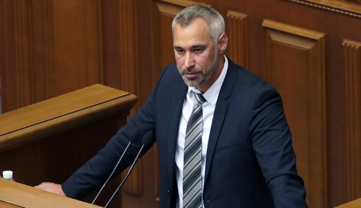 """""""Я обо всем догадывался"""", - Рябошапка после выступления в ВР быстро покинул Парламент, кадры"""