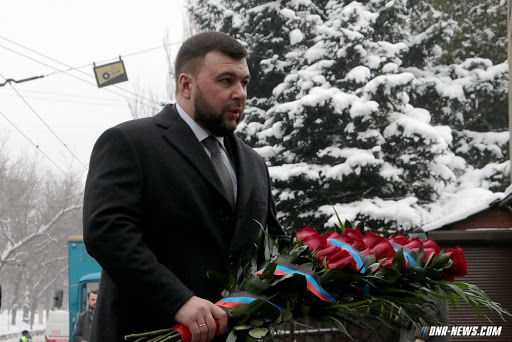Пушилин возложил цветы к памятнику великого украинского полководца, намекнув на дальнейшую судьбу Украины
