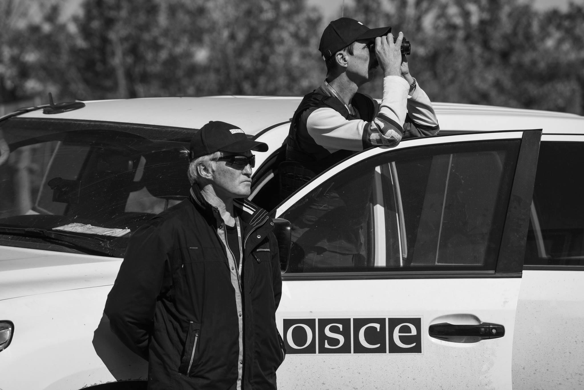ОБСЕ жалуется на боевиков, которые перекрывают дороги наблюдателям