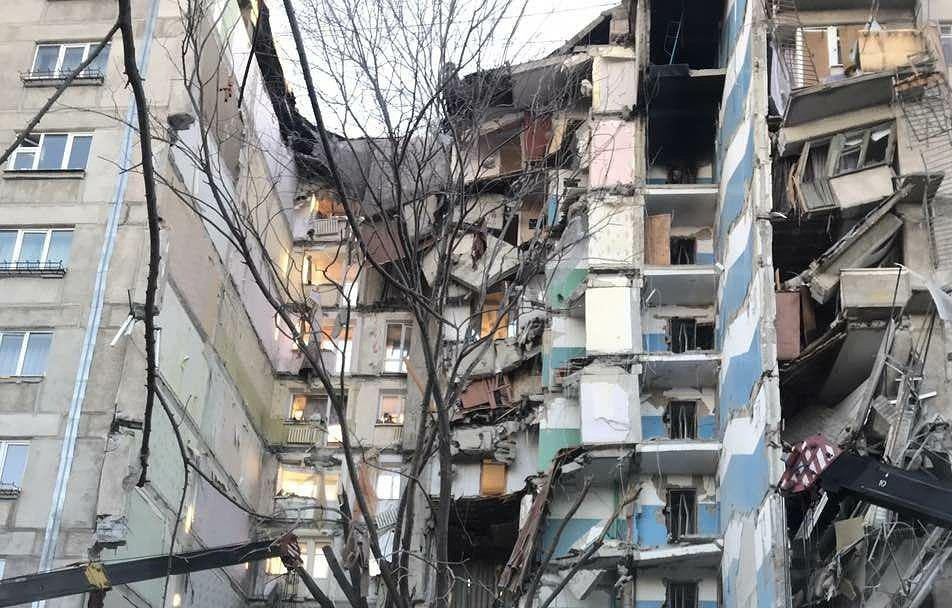 Счет может идти на десятки погибших: Сеть поразили новые фотографии взорванного дома в Магнитогорске