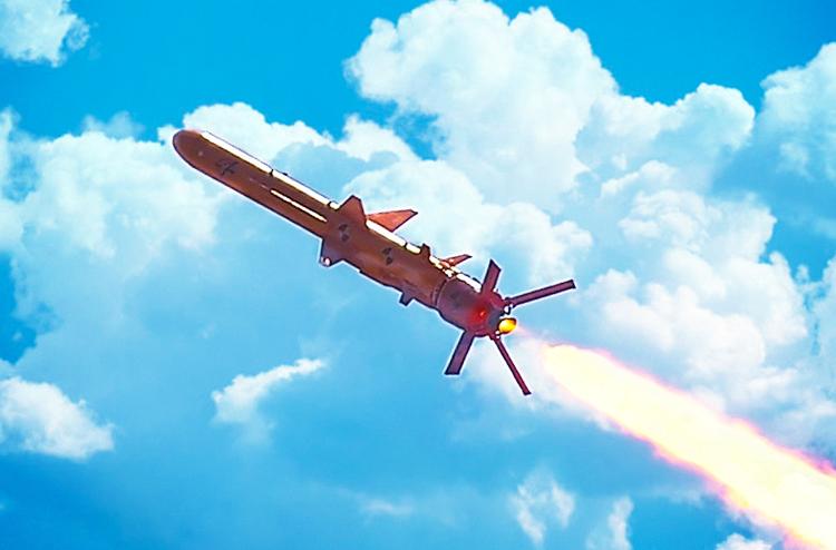 """""""Убийца"""" Черноморского флота: Порошенко рассказал, на что способна новая крылатая ракета Украины"""