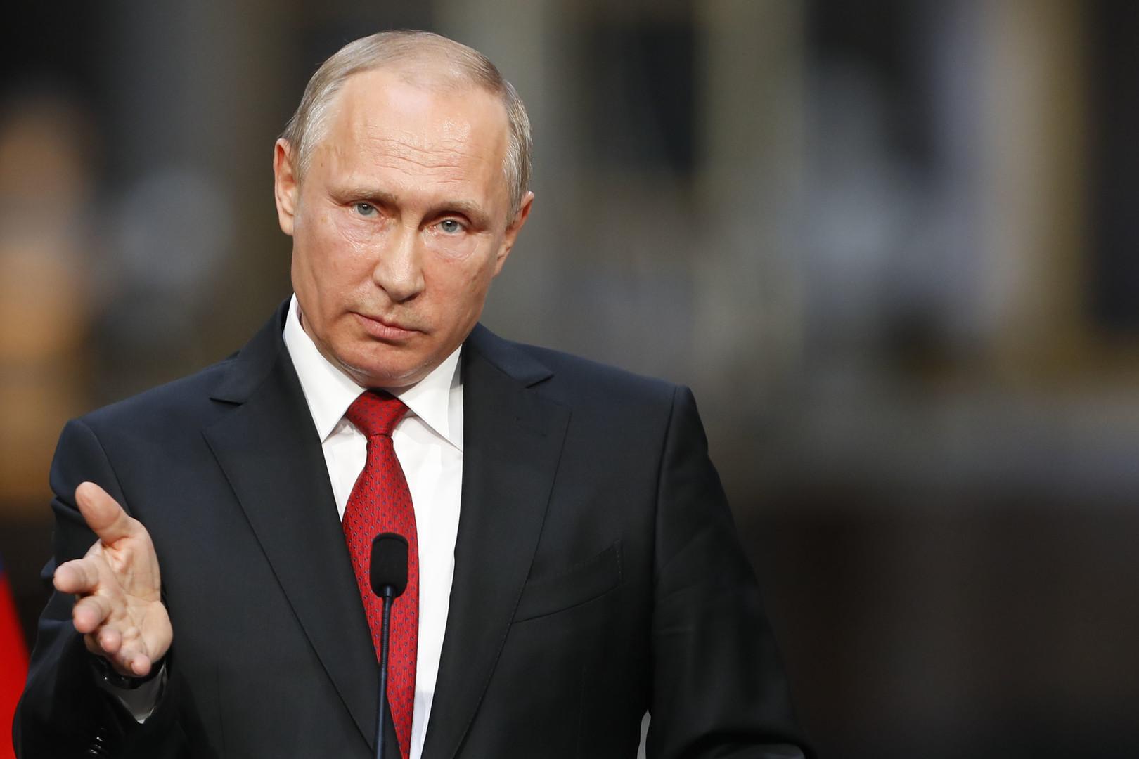 Путин продолжает гнуть свою линию в вопросе о миротворцах на Донбассе: стало известно о важном телефонном  разговоре хозяина Кремля