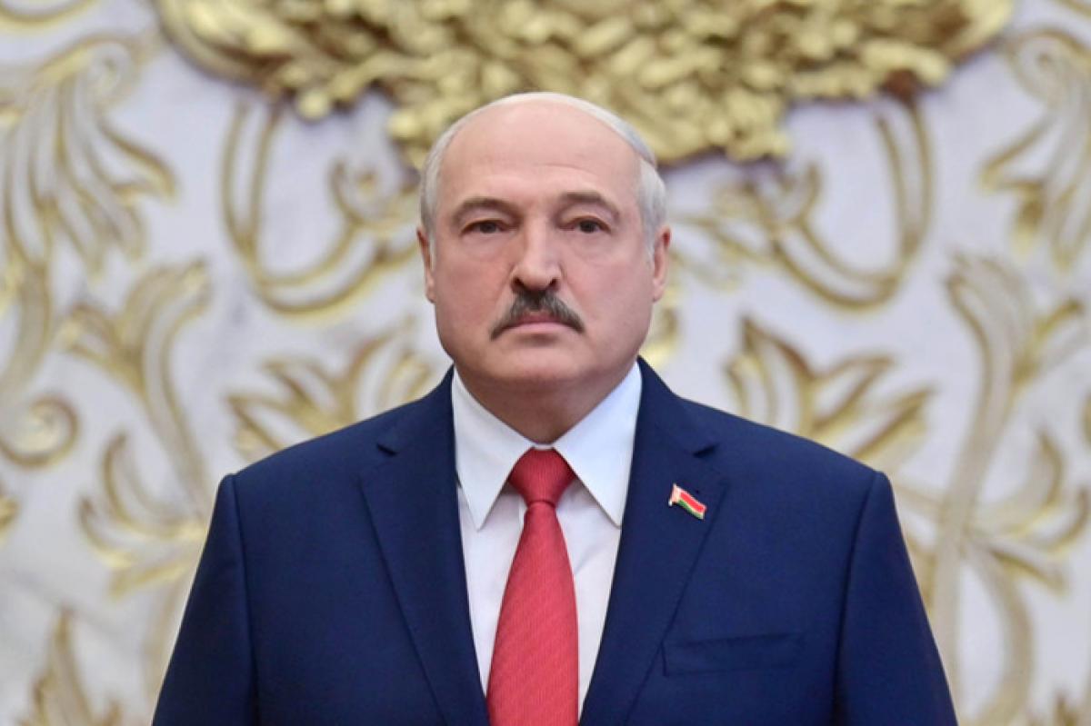 """Лукашенко ответил Москве на упреки по НАТО: """"У меня простой вопрос"""""""