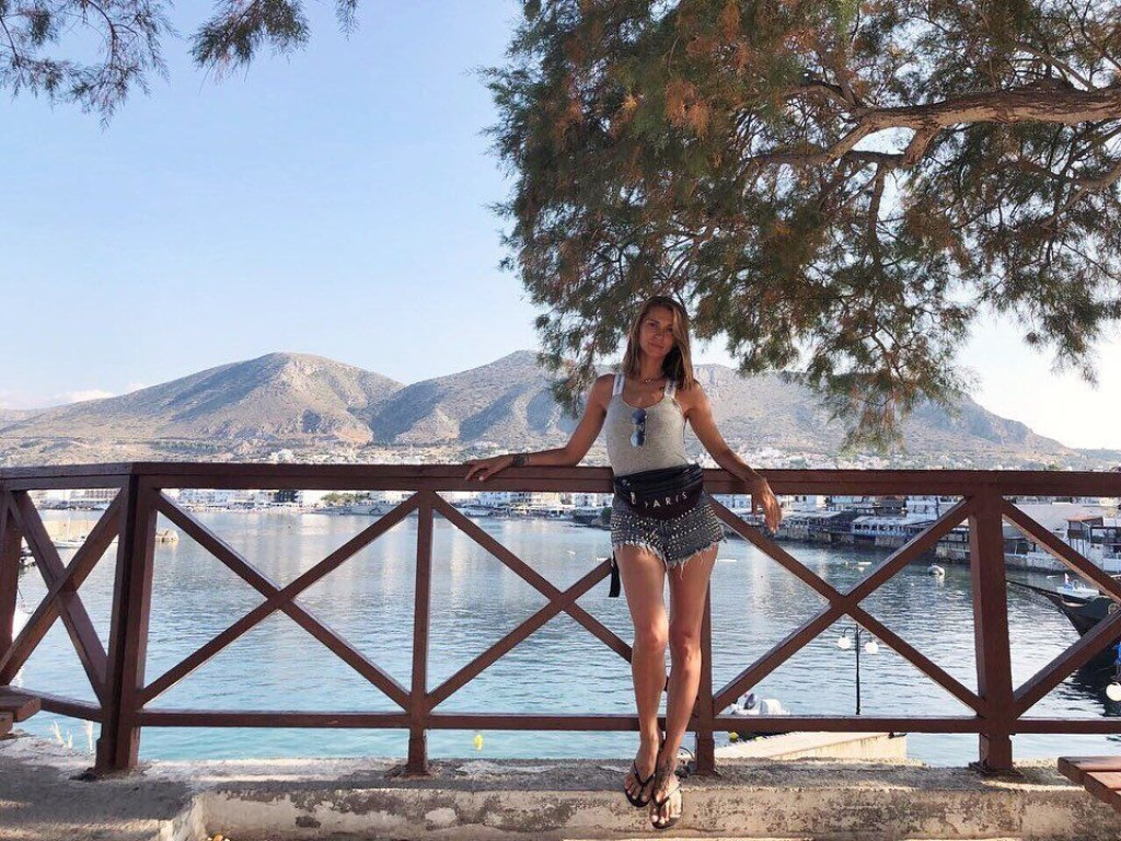 TAYANNA, певица, звезда, секси, знаменитость, отдых, отпуск, сын, Греция, голая, восход, море, соцсети, фото