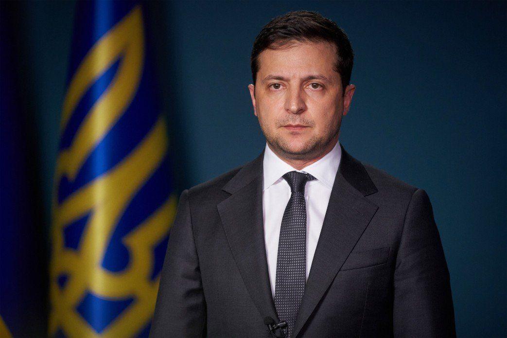 Зеленский поздравил защитников Украины, вспомнив про войну с Россией