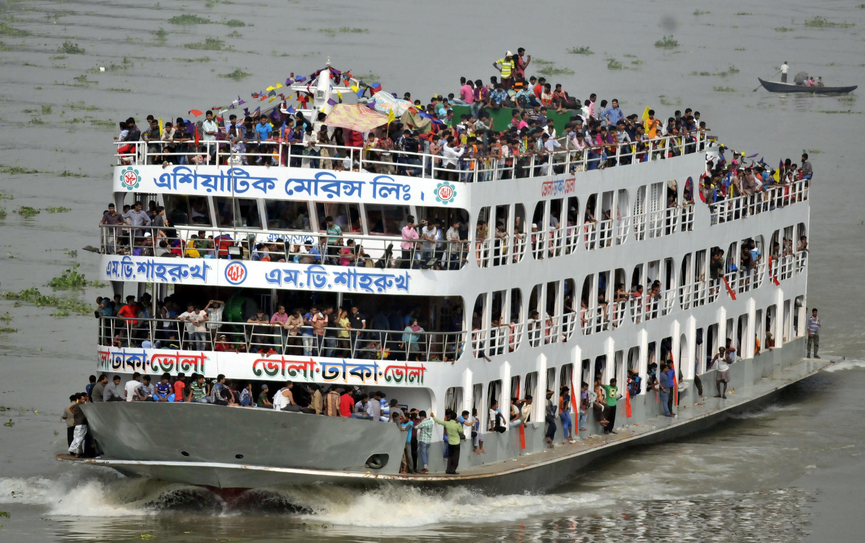 затонул паром, бангладеш ,происшествие, трагедия, общество
