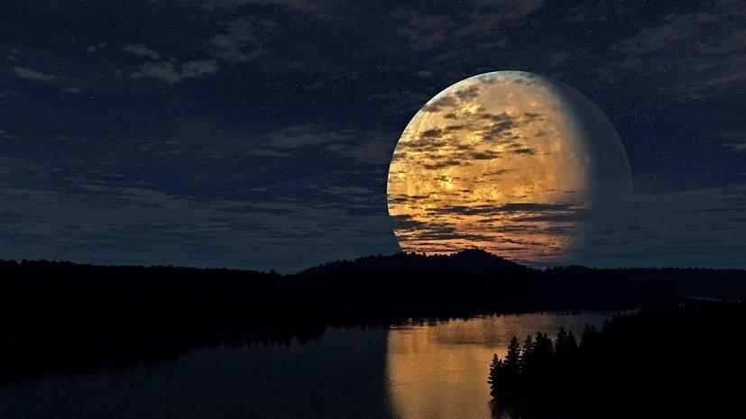 """Суперлуна затмила Солнце: """"зловещий день"""" пятница 13-е подарил землянам фантастическое явление"""