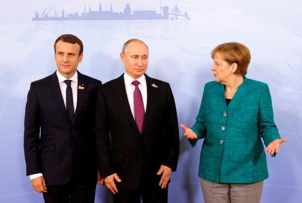 Меркель и Макрон на встрече с Путиным, убеждали российского президента установить перемирие на Донбассе
