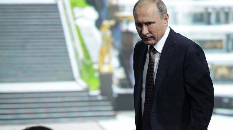 В России закрыли Левада-центр из-за того, что он показал реальный рейтинг Путина, – кадры и подробности