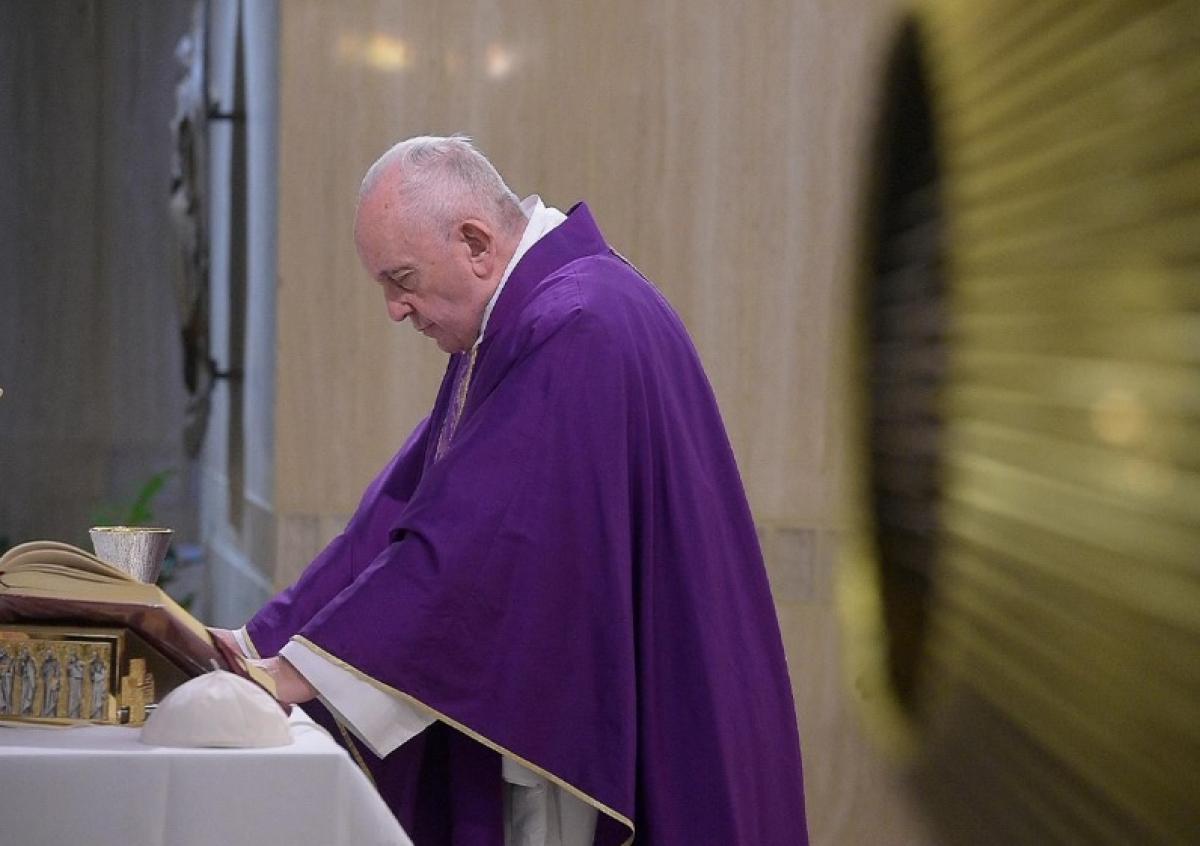 Папа Римский заболел, стали известны подробности здоровья Франциска