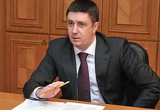Министр культуры Вячеслав Кириленко заявил, что Земфира сама себя унизила, оскорбив флаг Украины
