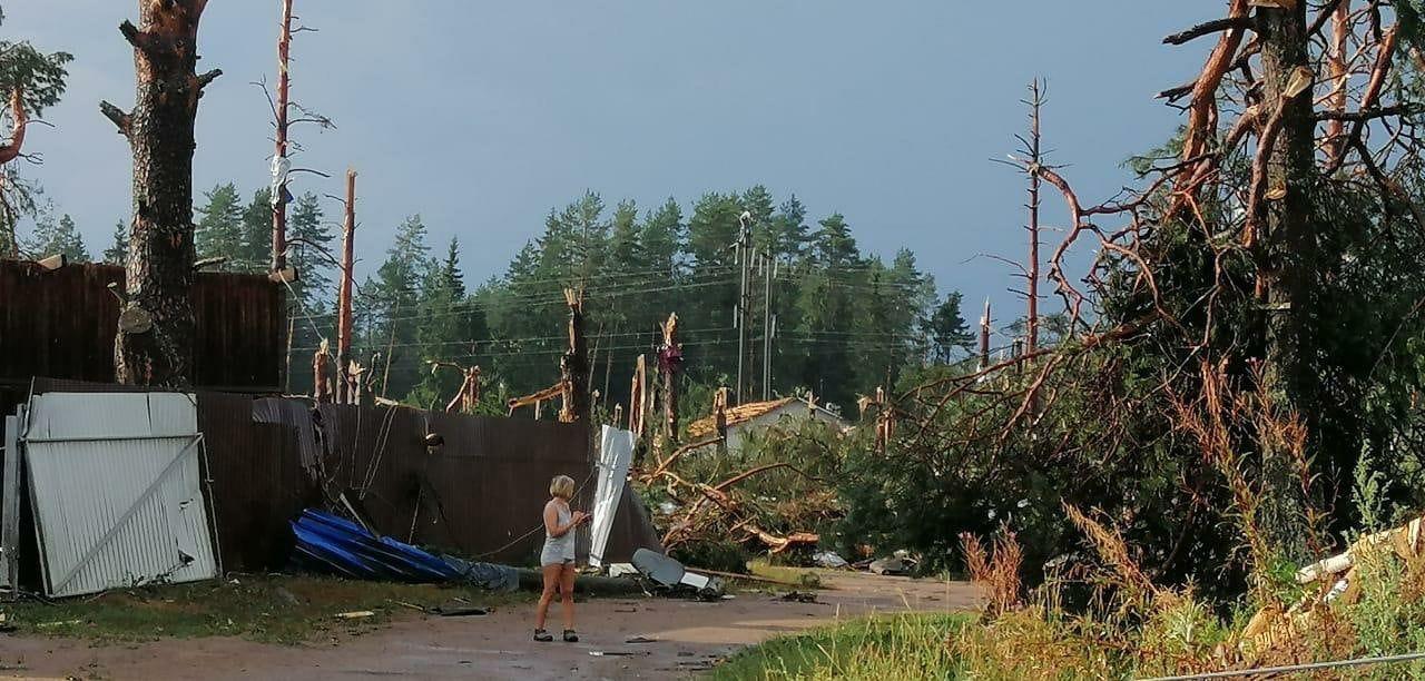Мощный торнадо пронесся по Тверской области – много разрушений, есть жертвы