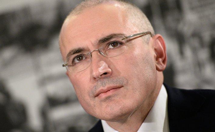 Кремль от злости рвет и мечет: суд в Ирландии отдал оппозиционеру Ходорковскому 100 млн евро, разморозив его счета