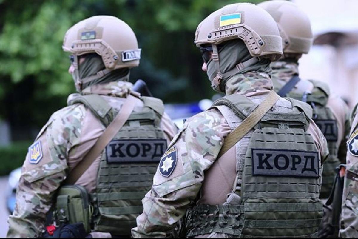 Момент ликвидации полтавского террориста Скрыпника попал на видео - после выстрела раздался взрыв