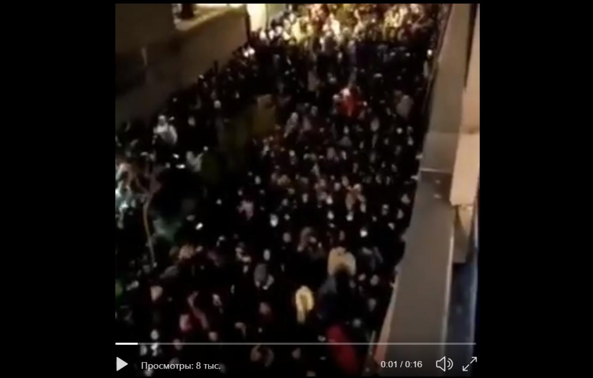В Иране вспыхнул бунт из-за крушения самолета МАУ: тысячи людей вышли на улицу с требованием к властям