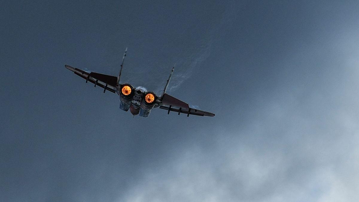 """Самолет армии Афганистана был намеренно сбит ПВО Узбекистана - истребитель """"МиГ-29"""" ВВС Узбекистана и афганский штурмовик столкнулись в воздухе 2"""